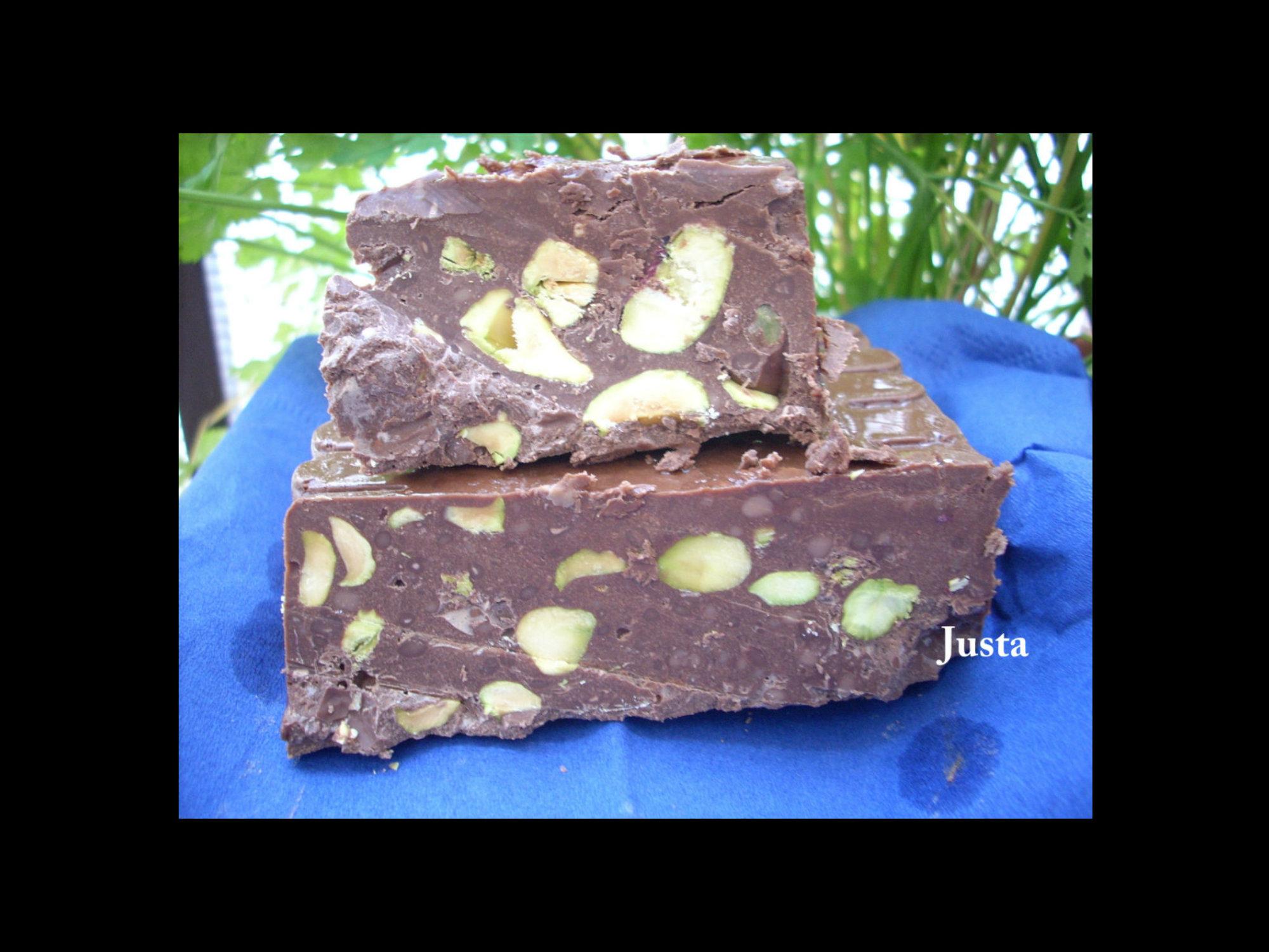 Turron de chocolate y pistachos